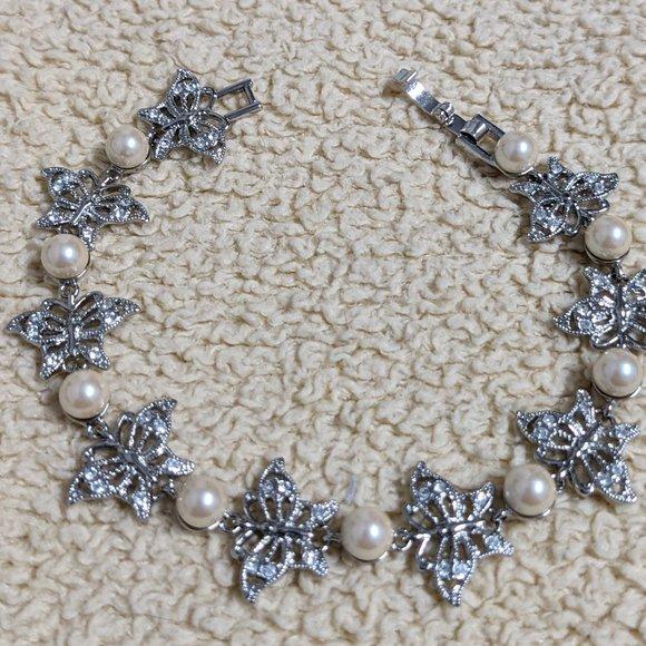 VTG -  Monet-Simulated Pearl & Rhinestone Bracelet